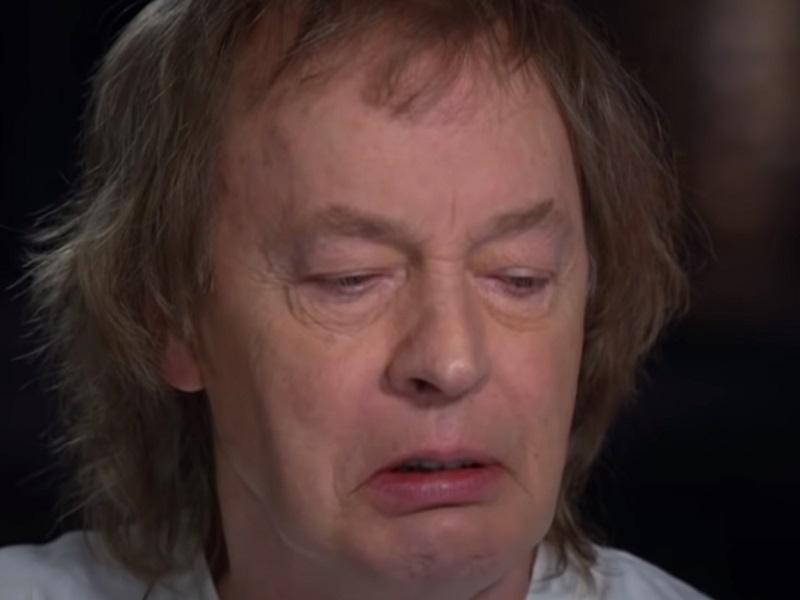 Angus Young, al borde del llanto recordando a Malcolm Young - MERCADEO POP